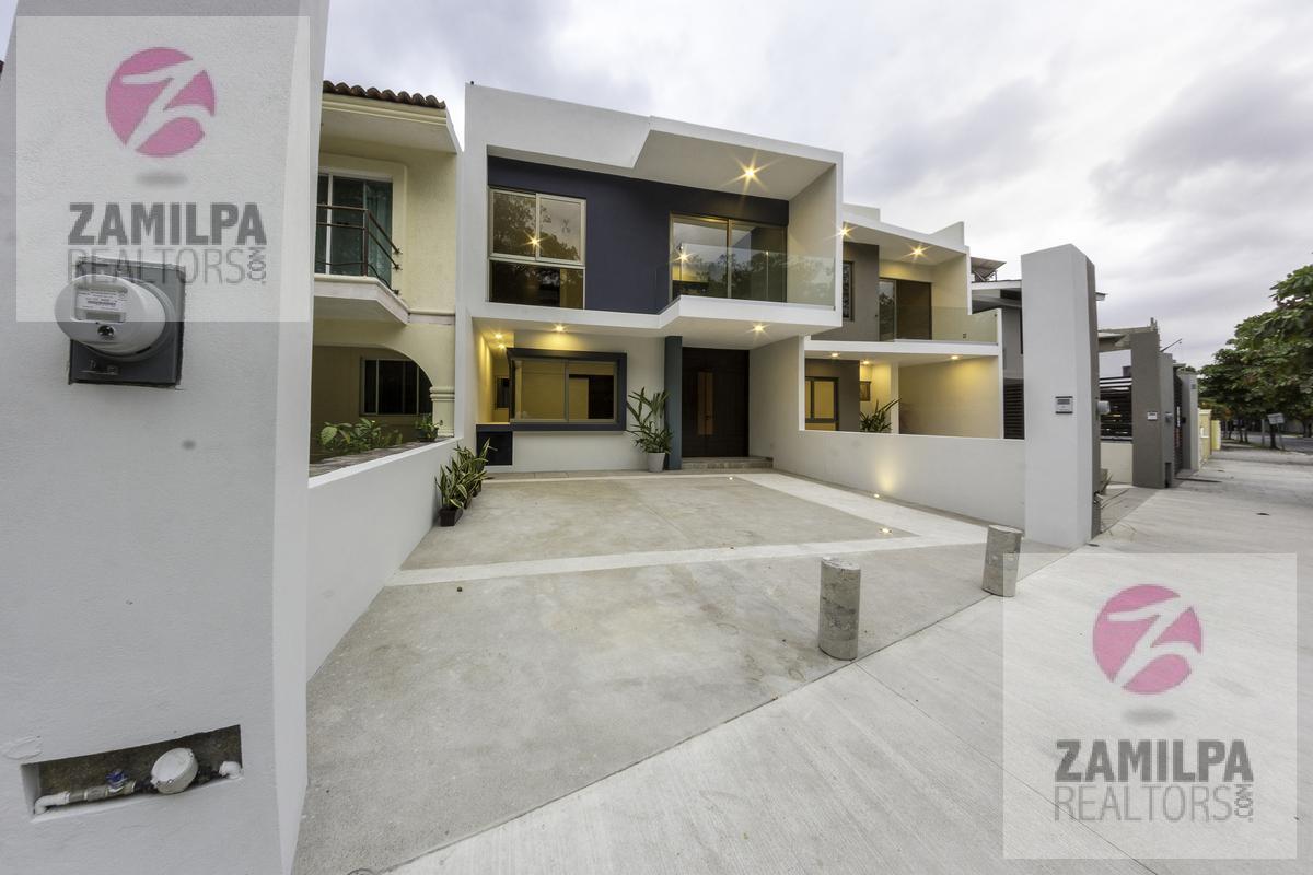 Picture House in Sale in  Marina Vallarta,  Puerto Vallarta  Marina Vallarta