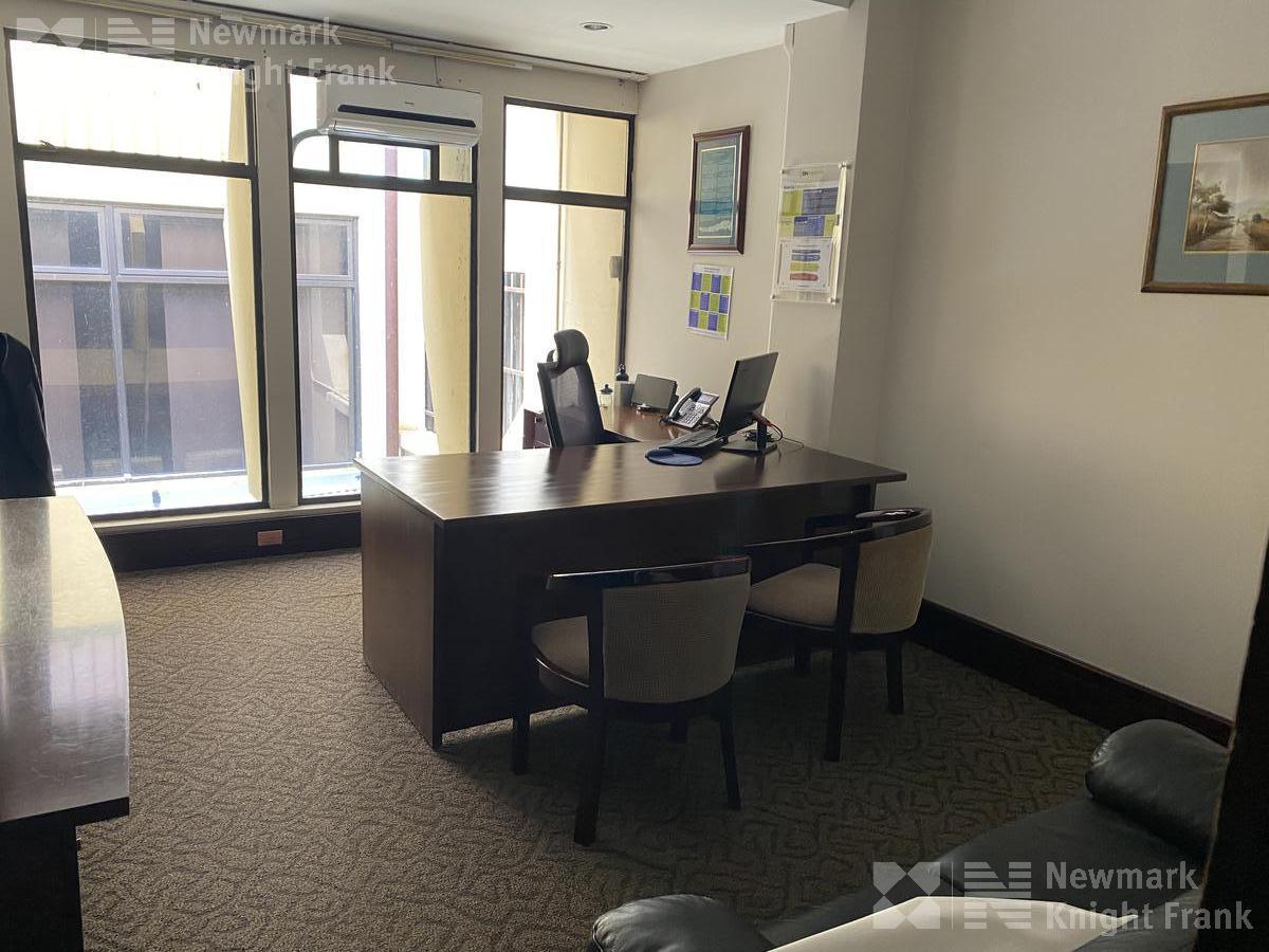 Foto Oficina en Renta | Venta en  San Francisco,  Goicoechea  Edificio de oficionas en Barrio Tournon