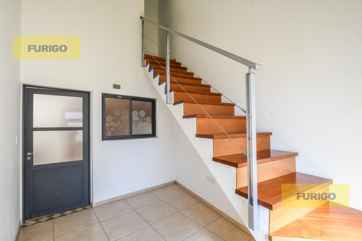 Foto Casa en Venta en  Soldini,  Rosario  Moreno al 500