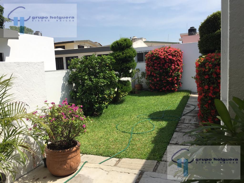 Foto Casa en Venta en  Jardín 20 de Noviembre,  Ciudad Madero  CV-379 EN VENTA BONITA CASA DE UN PISO COL. JARDIN 20 DE NOVIEMBRE CD. MADERO.  LISTA PARA HABITARSE