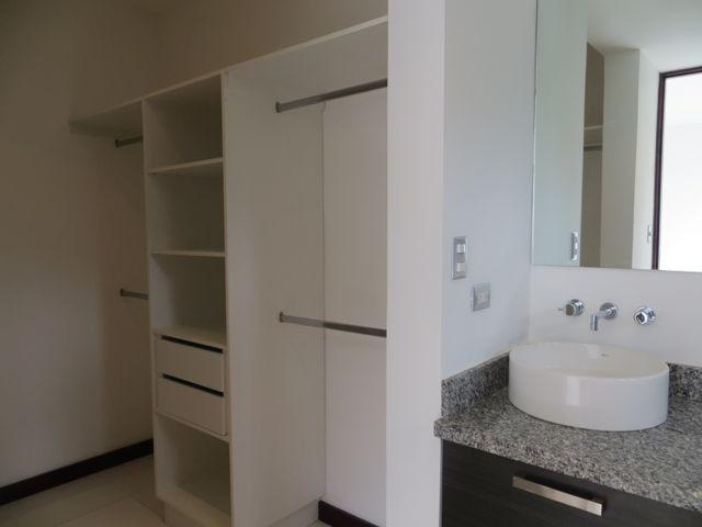 Foto Departamento en Venta en  Piedades,  Santa Ana  Apartamento en Santa Ana