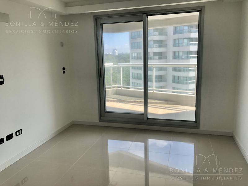 Foto Apartamento en Venta en  Playa Brava,  Punta del Este  Guanabara esquina Avenida Del Mar, Parada 10
