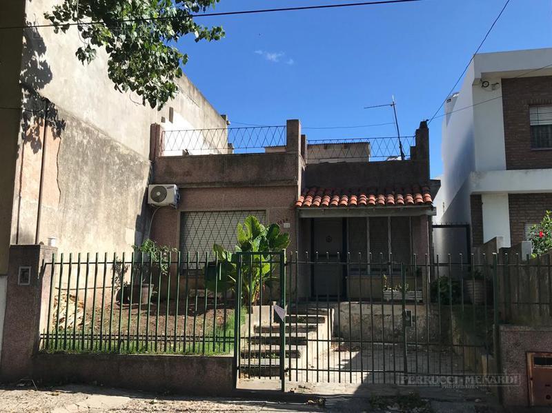 Foto Casa en Venta en  Chilavert,  Villa Ballester  Profesor Aguer al 6100