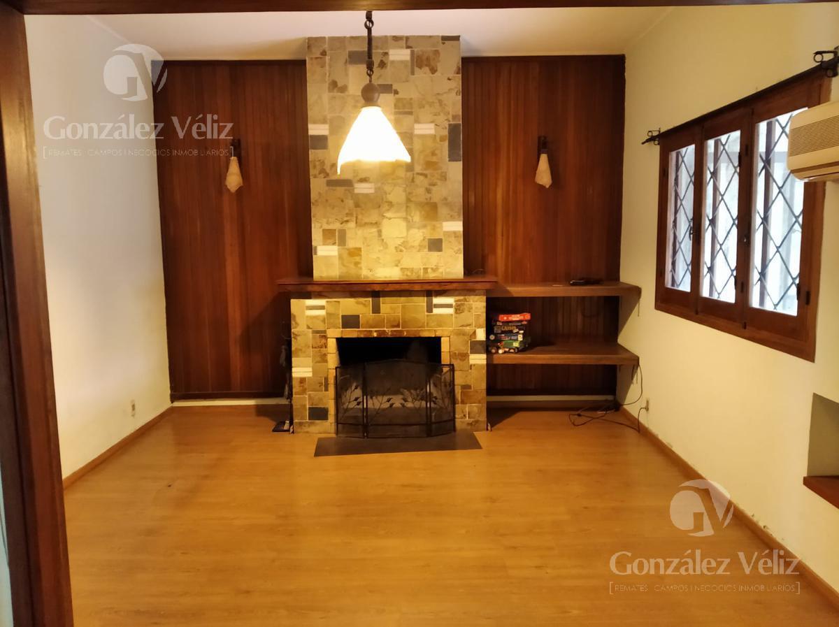 Foto Casa en Venta en  Carmelo ,  Colonia  Varela entre Roosevelt y Gral. Flores