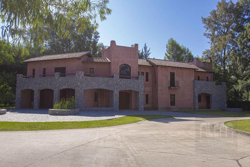 Foto Casa en Venta en  Canning,  Esteban Echeverria  St Thomas Este Lote 1300m2