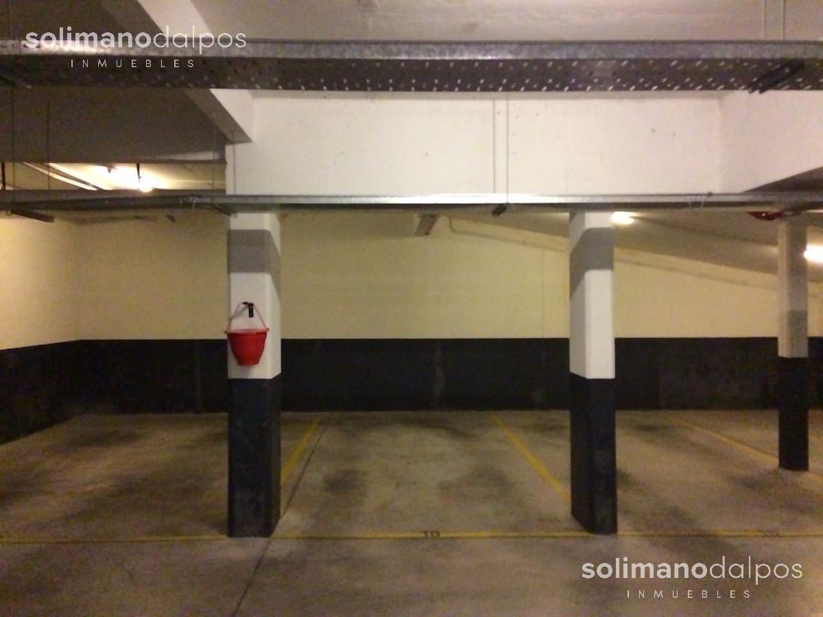 Foto Cochera en Venta | Alquiler en  Mart.-Vias/Santa Fe,  Martinez  Vicente Fidel Lopez 42