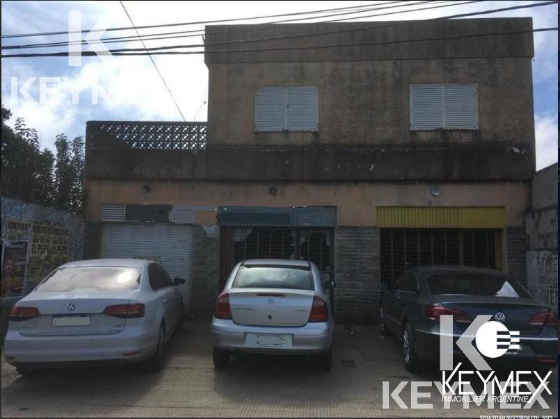 Foto Local en Venta en  La Plata,  La Plata  122 entre 36 y 37