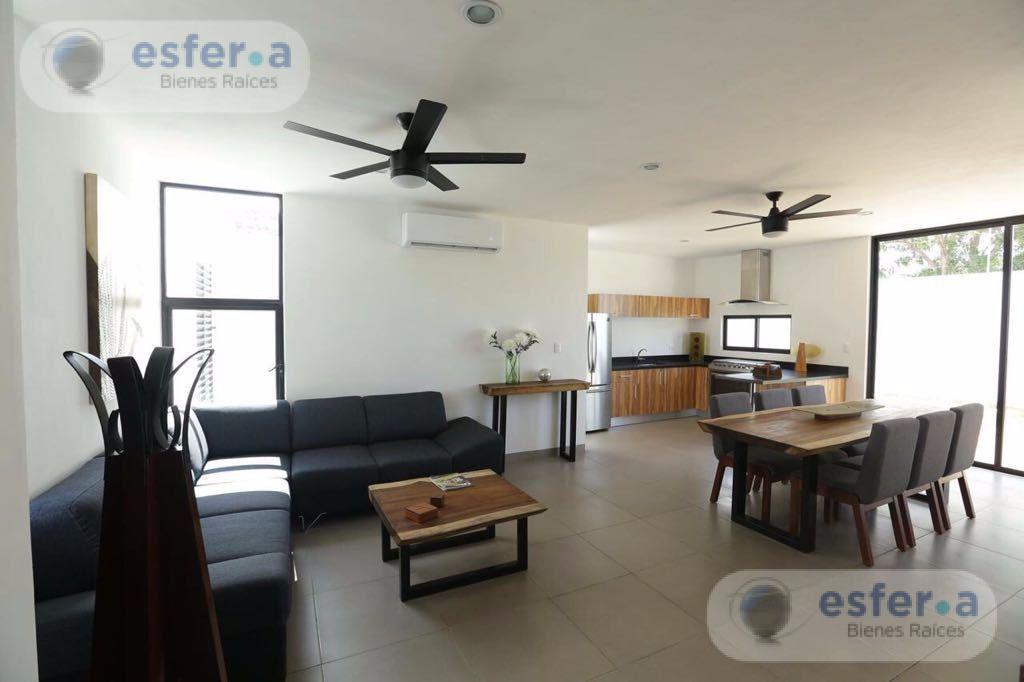 Foto Casa en Venta en  Fraccionamiento Real Montejo,  Mérida  Hermosa Casa Residencial en la Privada Sac-Uh Modelo B