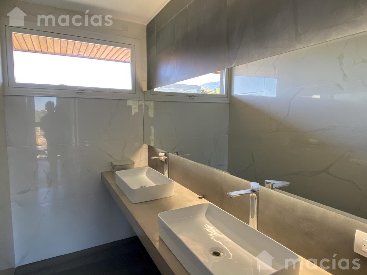 Foto Casa en Venta en  Yerba Buena ,  Tucumán  Las Jarillas
