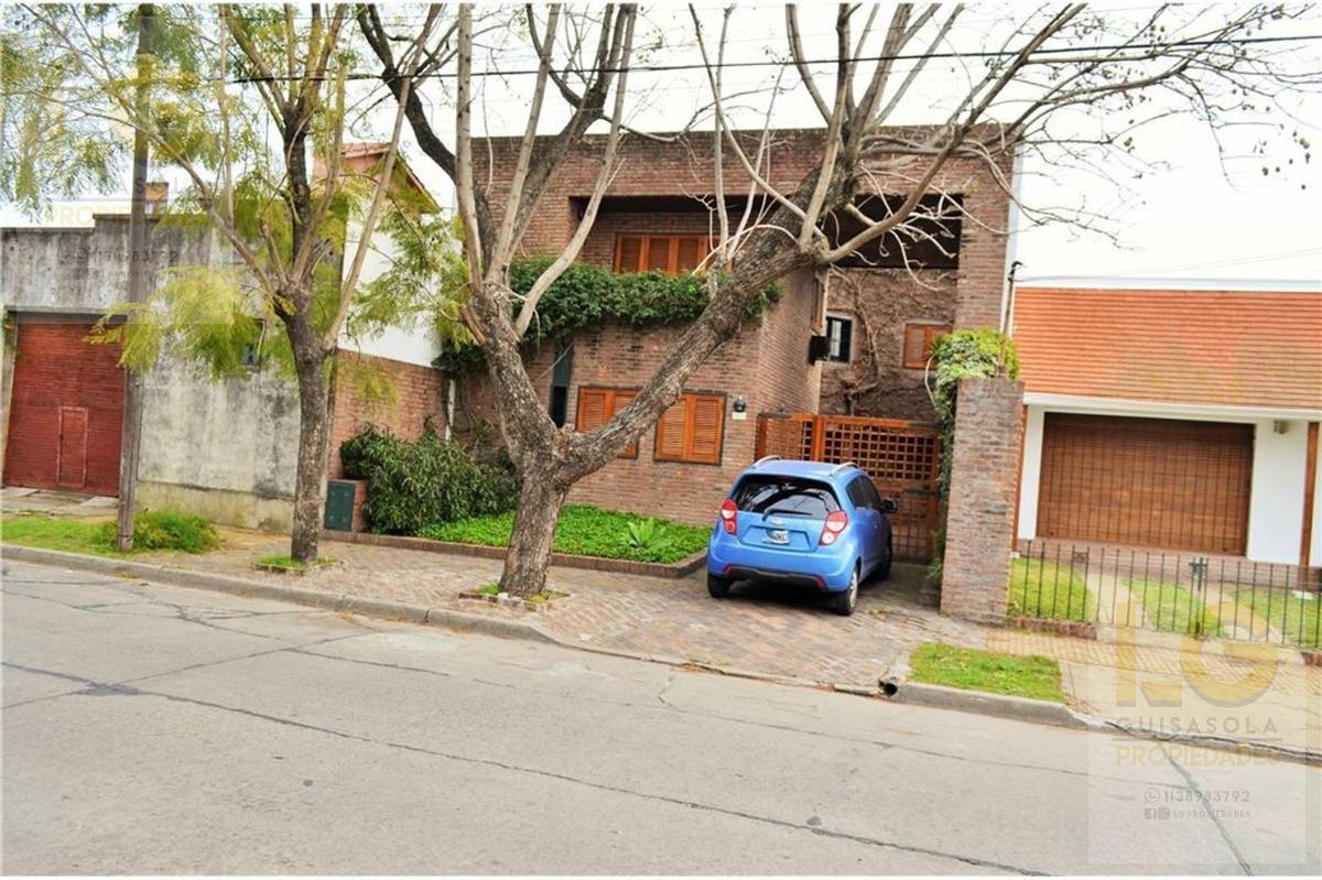 Foto Casa en Venta en  Quilmes,  Quilmes  Uriburu 900