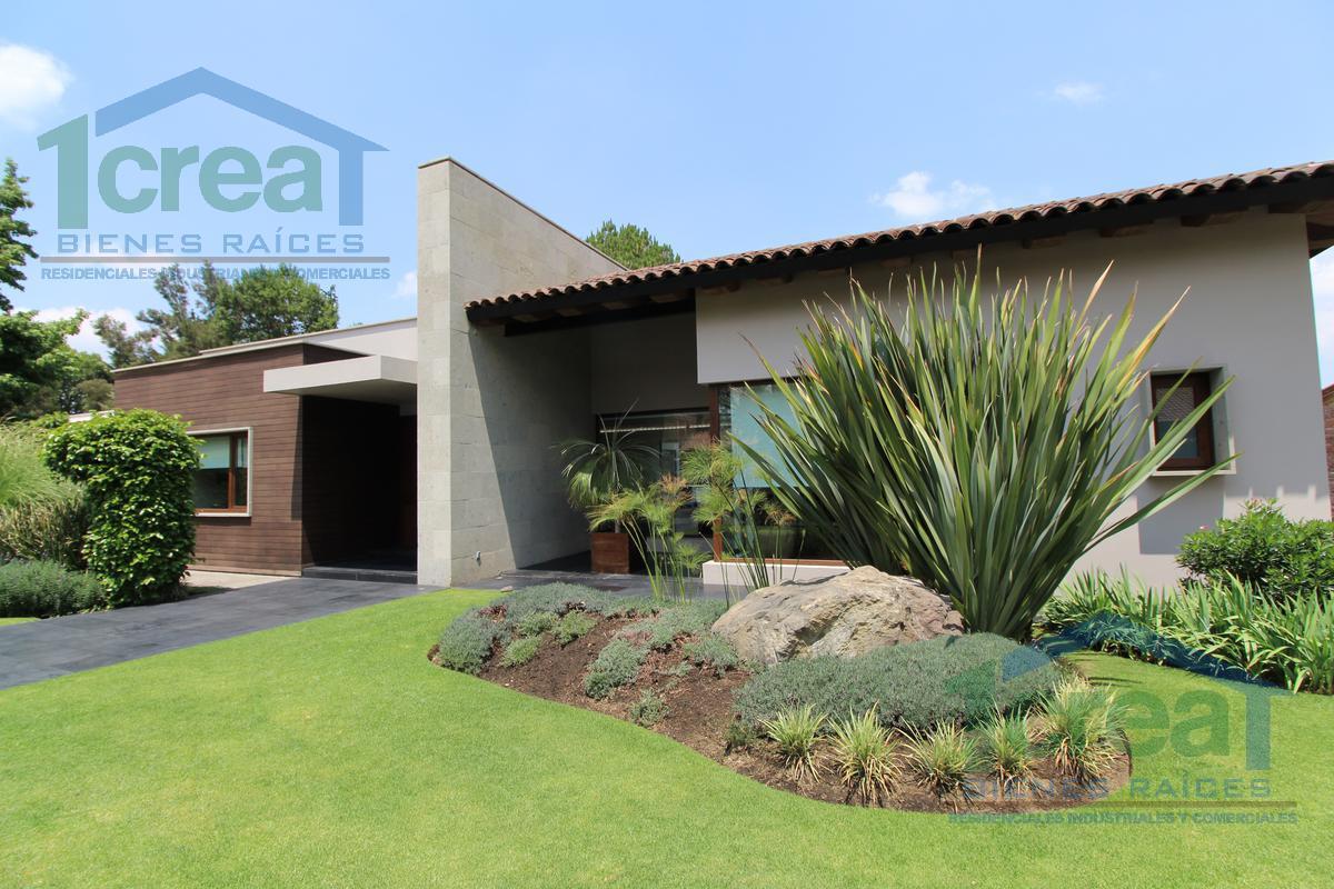 Foto Casa en Venta en  Club de Golf los Encinos,  Lerma  Fraccionamiento Club de Golf Los Encinos, Lerma, Mex., Residencia en venta al campo de golf