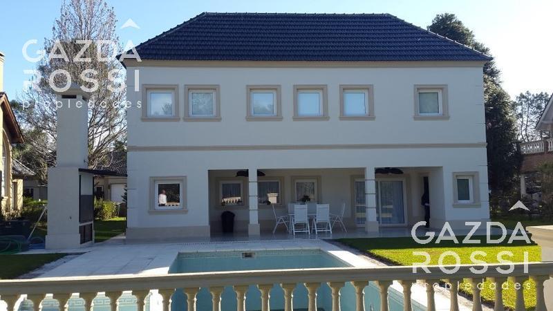 Foto Casa en Venta en  Saint Thomas,  Countries/B.Cerrado (Ezeiza)  Importante casa a  la venta en Saint Thomas Sur