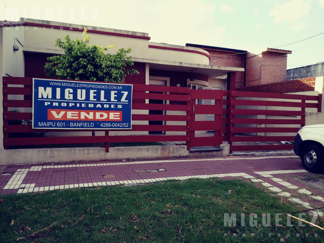Foto Casa en Venta en  Banfield,  Lomas De Zamora  VENTA CASA BANFIELD PEÑA 960