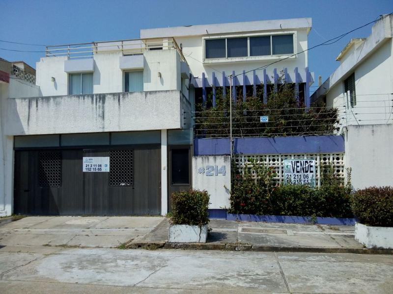 Foto Casa en Venta en  Coatzacoalcos Centro,  Coatzacoalcos  Cuautemoc No. 214 zona centro Coatzacoalcos Veracruz