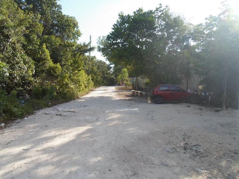Foto Terreno en Venta en  ABC,  Cancún  Se Vende Terreno en Cancún de 4,900 m2 en Bosques del Caribe