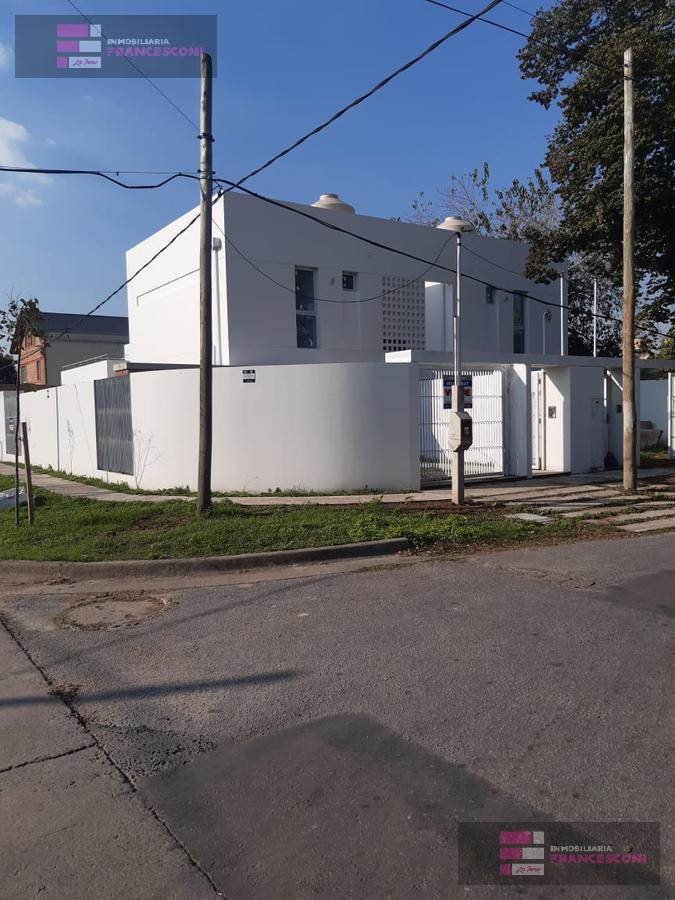 Foto Casa en Venta en  Villa Elisa,  La Plata  5 ESQ 46