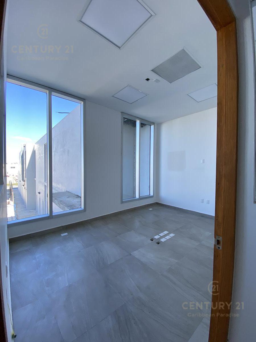 Supermanzana 301 Office for Sale scene image 13