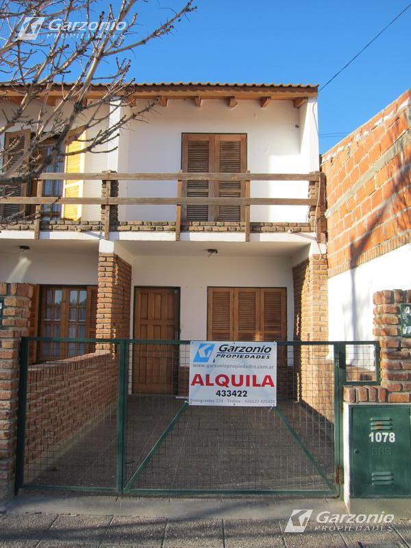 Foto PH en Alquiler en  Trelew ,  Chubut  Belgrano al 1000
