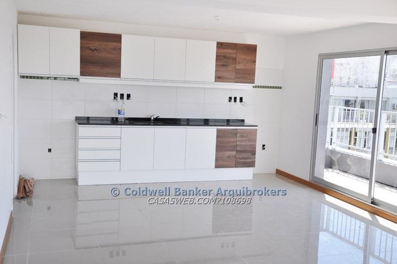 Foto Oficina en Venta en  Cordón ,  Montevideo  Oficina de 2 ambientes en venta con renta en Cordón