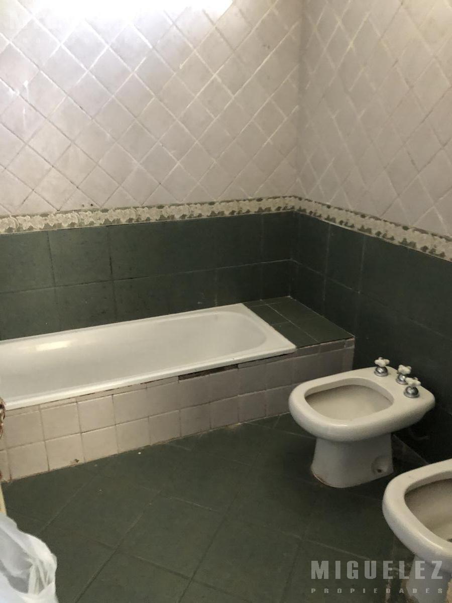 Foto Casa en Venta en  Lanús ,  G.B.A. Zona Sur  ABERASTAIN 3625