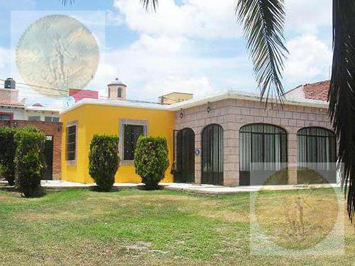 Foto Casa en Venta en  Fraccionamiento El Pedregal,  Tequisquiapan  En zona exclusiva, con amplio jardín