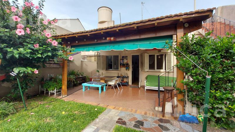 Foto Casa en Venta en  Olivos,  Vicente López  Encantadora casa con jardín y terraza | Jose Ingenieros al 2600