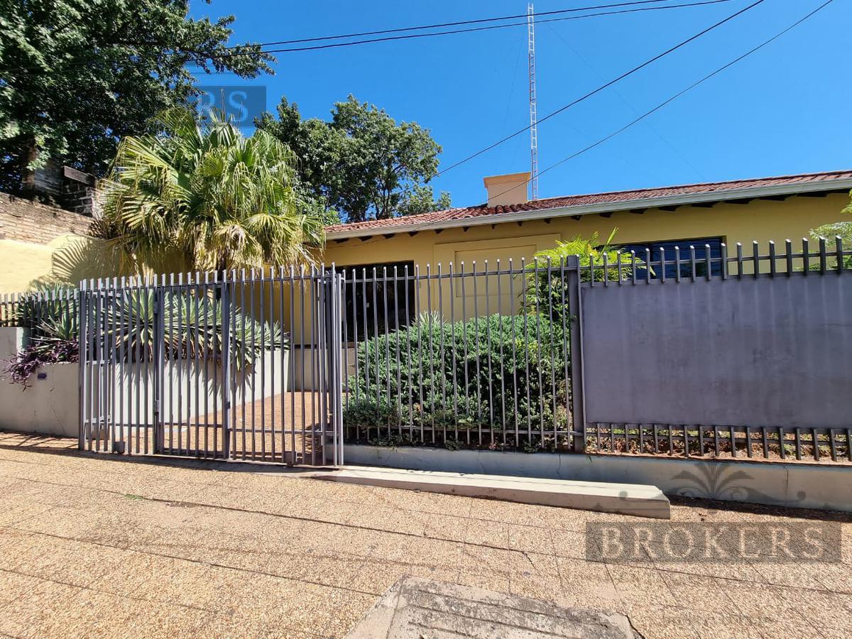 Foto Casa en Alquiler en  Las Mercedes,  San Roque  Alquilo Amplia Casa Para Oficina Con Estacionamiento Propio En Las Mercedes