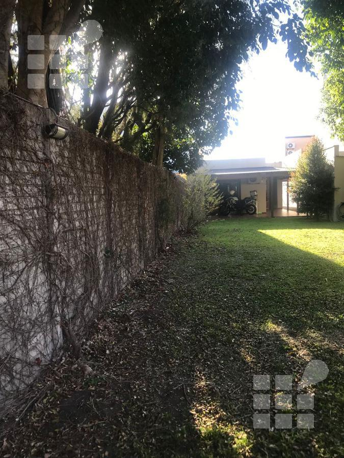 Foto Casa en Alquiler en  Tolosa,  La Plata  524 e/ 4 y 5