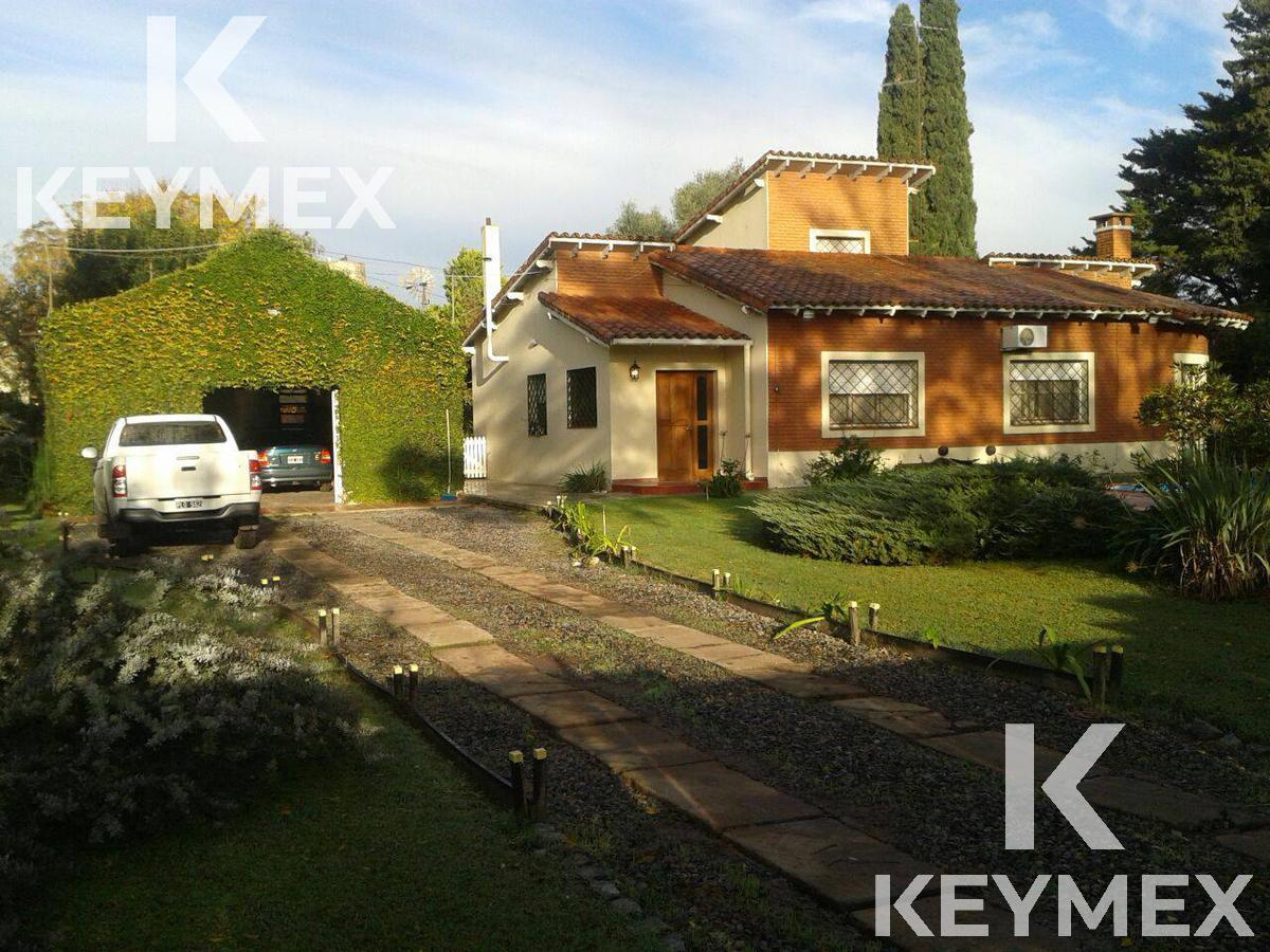 Foto Casa en Venta en  Manuel B Gonnet,  La Plata  Casa 25 entre 506 y 507