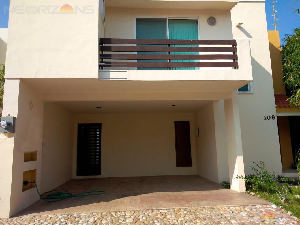 Foto Casa en Renta en  Altamira ,  Tamaulipas  Residencial de Lujo Amueblada en Renta económica, Fraccionamiento Náutico, Altamira, Tamaulipas