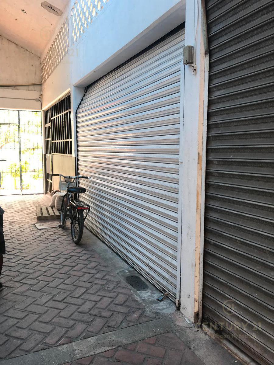 Foto Local en Venta en  Ciudad de Cancún,  Cancún          Exelente oportunidad comercial en una de las avenidas mas transitadas C2537
