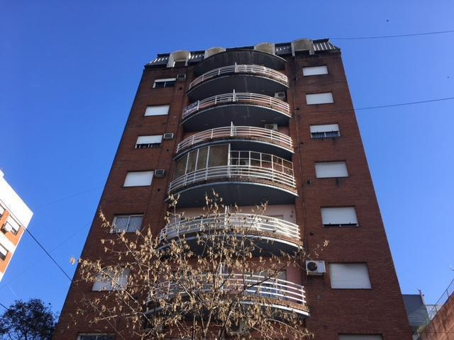 Foto Departamento en Venta |  en  Moron,  Moron  Belgrano 399