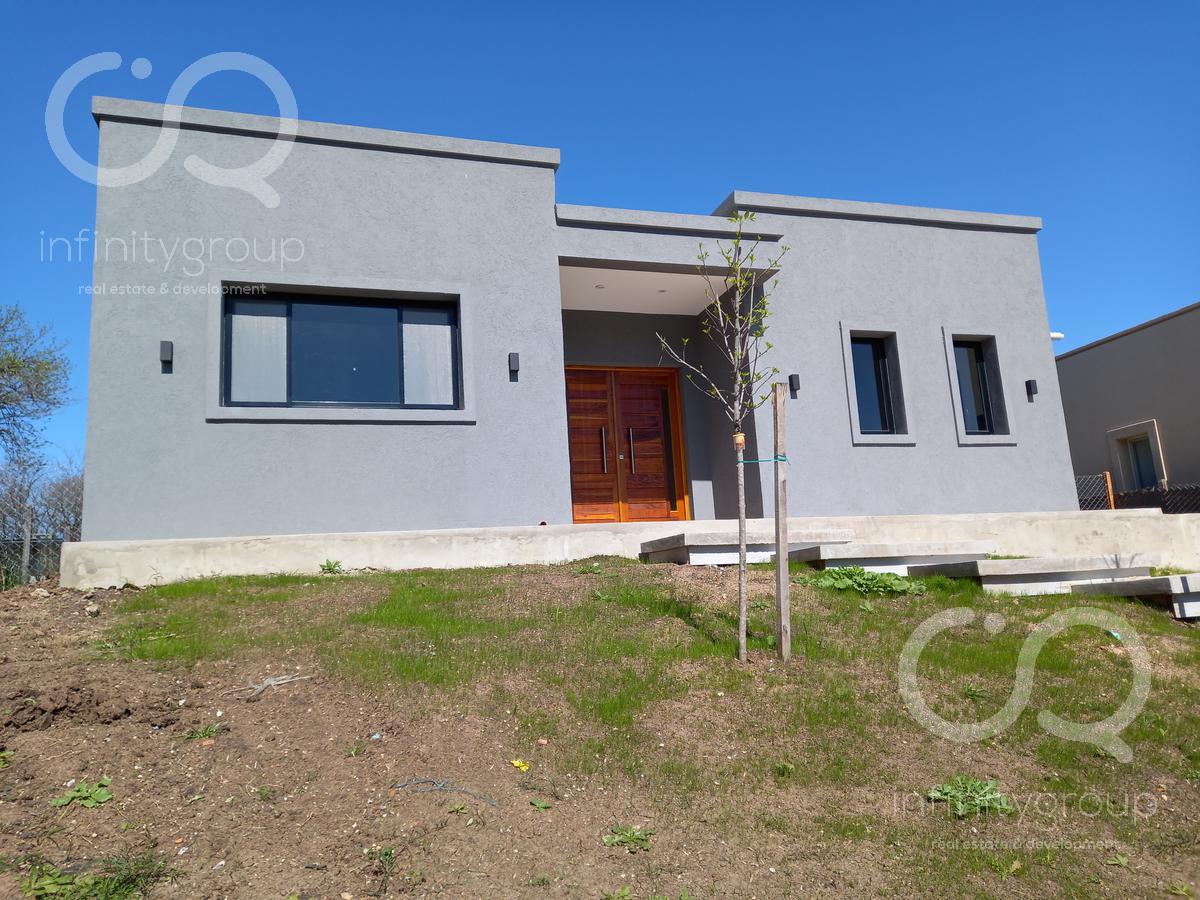 Foto Casa en Venta en  Santa Elena ,  Pilar Del Este  Venta Casa a estrenar - Santa Elena - Pilar del Este