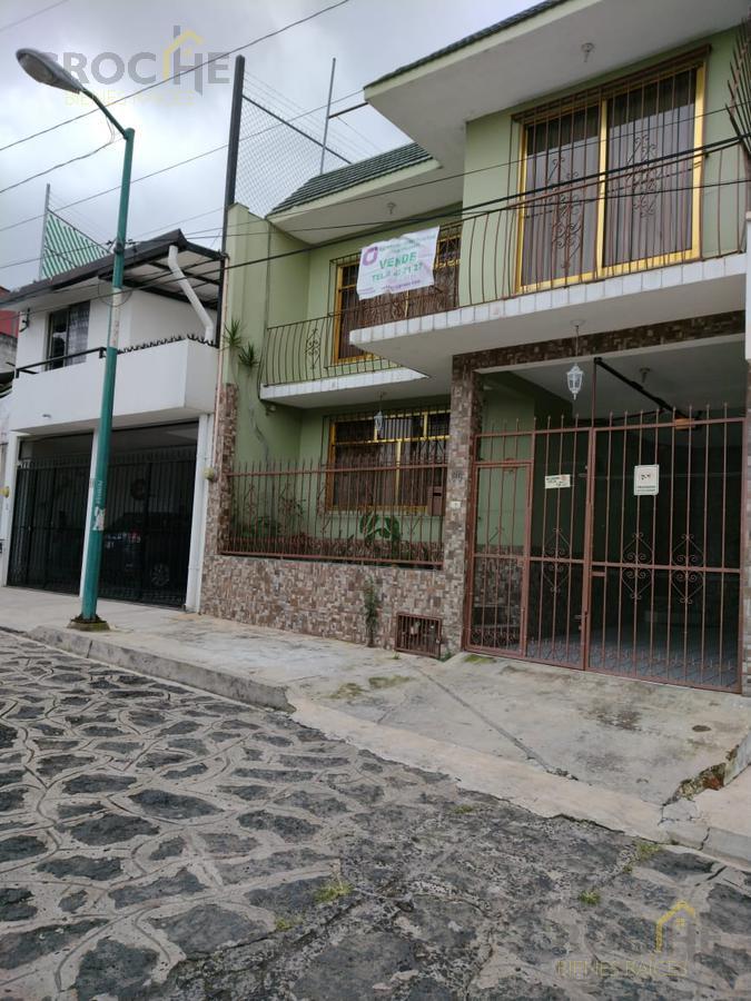 Foto Casa en Venta en  Obrero Campesina,  Xalapa  Casa en venta en colonia Obrero Campesina a 2 cuadras de Plaza Museo 2 plantas con 3 recamaras