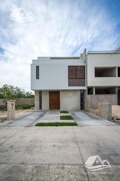 Foto Casa en Venta en  Cancún ,  Quintana Roo  Casa en venta en Aqua Cancún