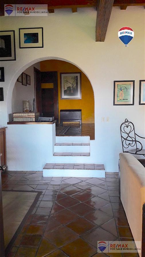 Foto Casa en Venta en  Lomas de Cortes,  Cuernavaca  Venta de casa sola en Lomas de Cortés, Cuernavaca…Clave 3629