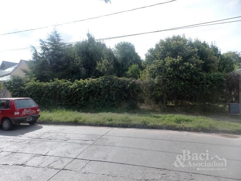 Foto Terreno en Venta en  Ezeiza ,  G.B.A. Zona Sur  Tucuman al 600