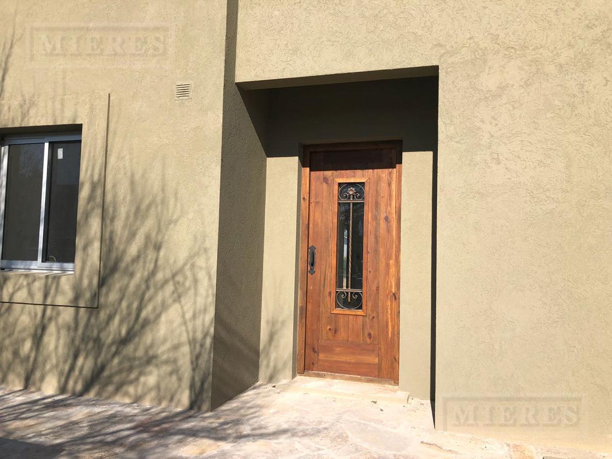 Casa en venta en La Comarca (Con Renta)