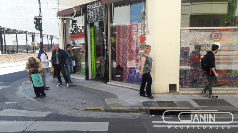 Foto Local en Venta en  Monserrat,  Centro  Adolfo Alsina al 1100