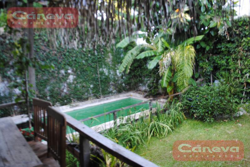 Foto Casa en Venta en  Martinez,  San Isidro  casares al 2300