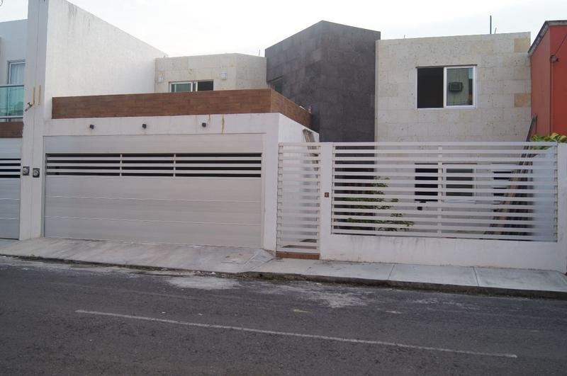 Foto Casa en Venta en  La Tampiquera,  Boca del Río  Casa en venta en Fracc. La Tampiquera PARA ESTRENAR, BOCA DEL RÍO, VER