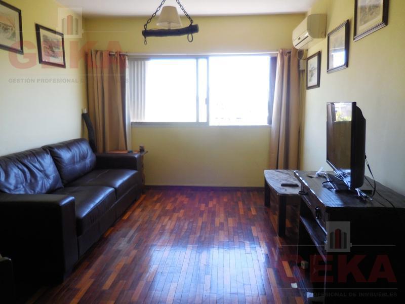 Foto Apartamento en Venta en  Centro (Montevideo),  Montevideo  Julio Herrera y Obes  1500