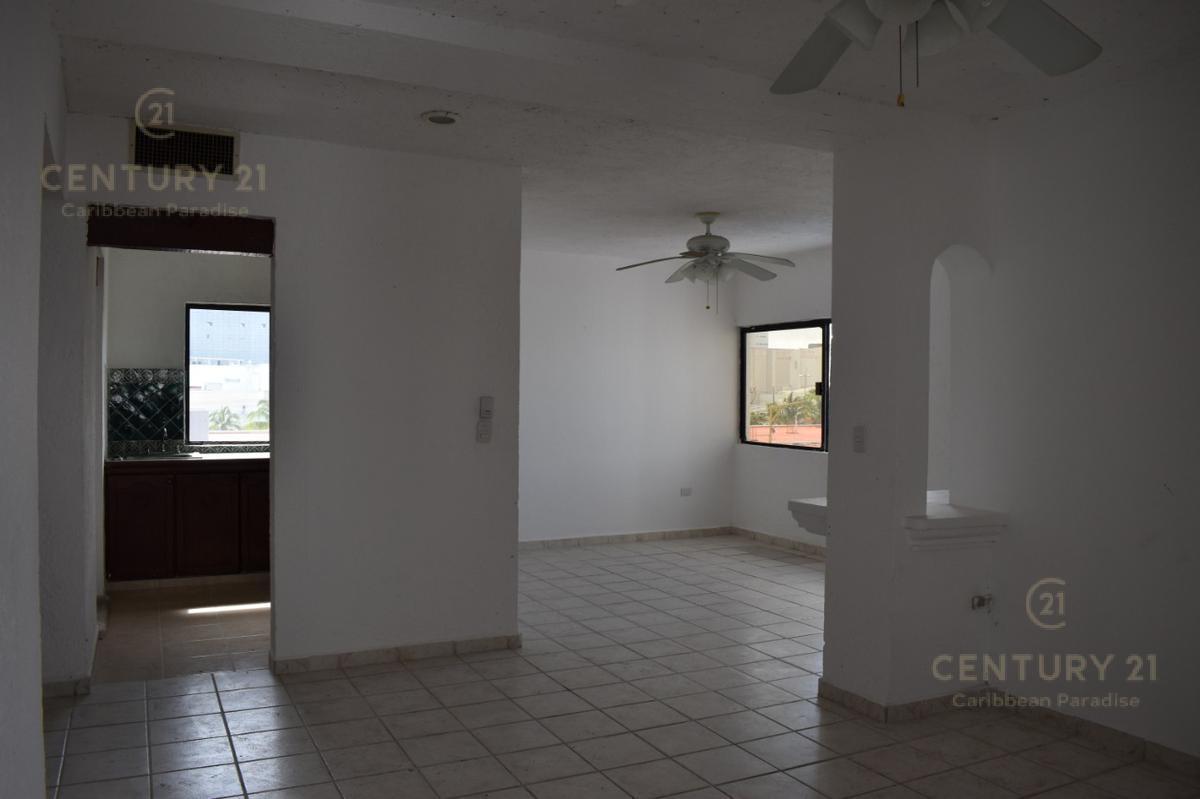 Supermanzana 15 Apartment for Sale scene image 2
