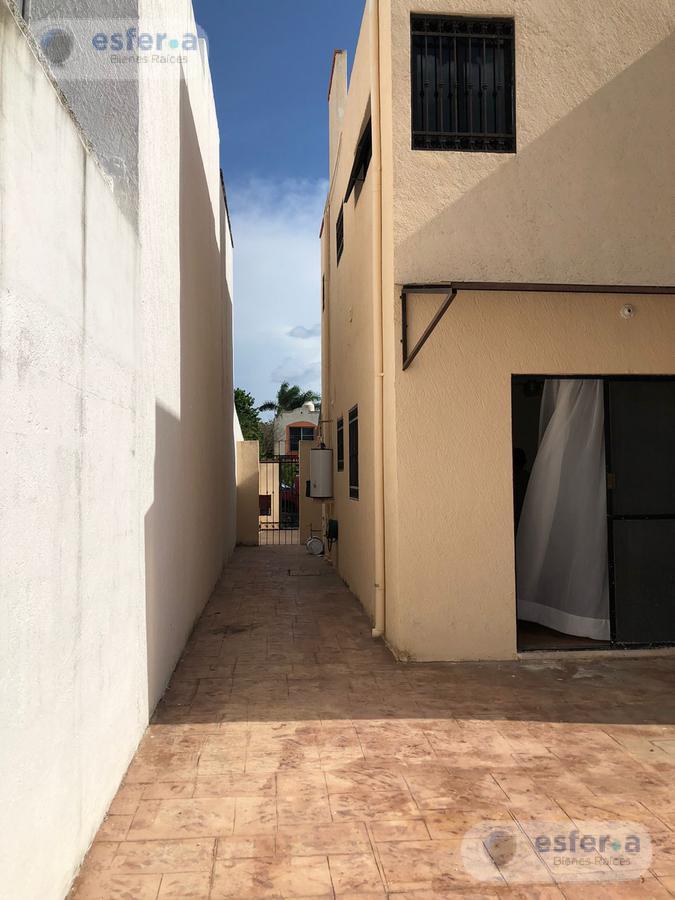 Foto Casa en Renta en  Francisco de Montejo,  Mérida  Casa en renta en la Castellana sobre avenida 2 plantas 3 rec
