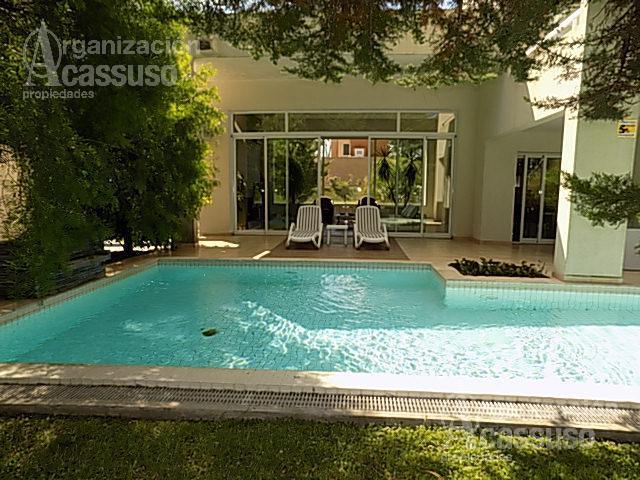 Foto Casa en Alquiler en  Playa Mansa,  Punta del Este  Av Boulevard Artigas Boulevard Park