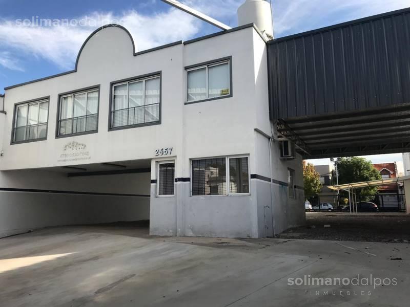 Foto Local en Alquiler en  Mart.-Santa Fe/Fleming,  Martinez  Av Santa Fe al 2500