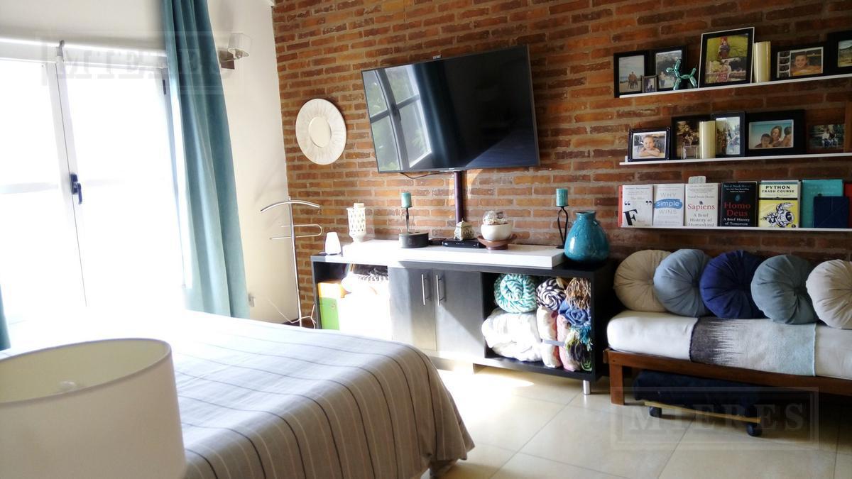 Impecable Casa en El Jacaranda