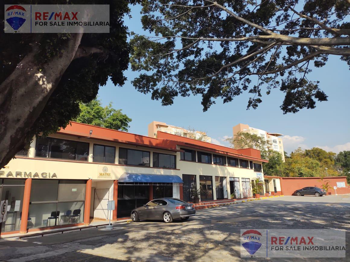 Foto Local en Renta en  Tlaltenango,  Cuernavaca  Renta de local en Plaza Comercial Av. Zapata, Cuernavaca…Clave 3401