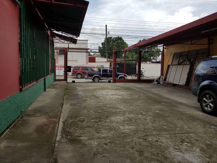 Foto Local en Renta | Venta en  El Centro,  El Progreso  Edificio de esquina en venta y renta en El Progreso