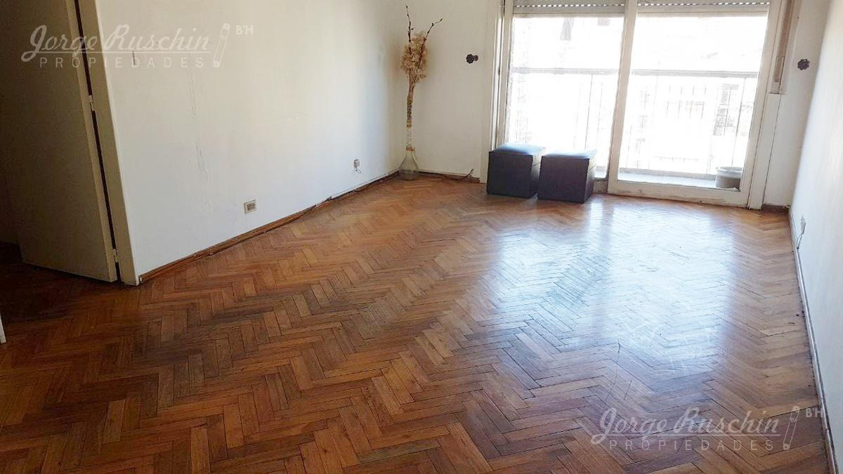Foto Departamento en Venta |  en  Once ,  Capital Federal  Paso al 400